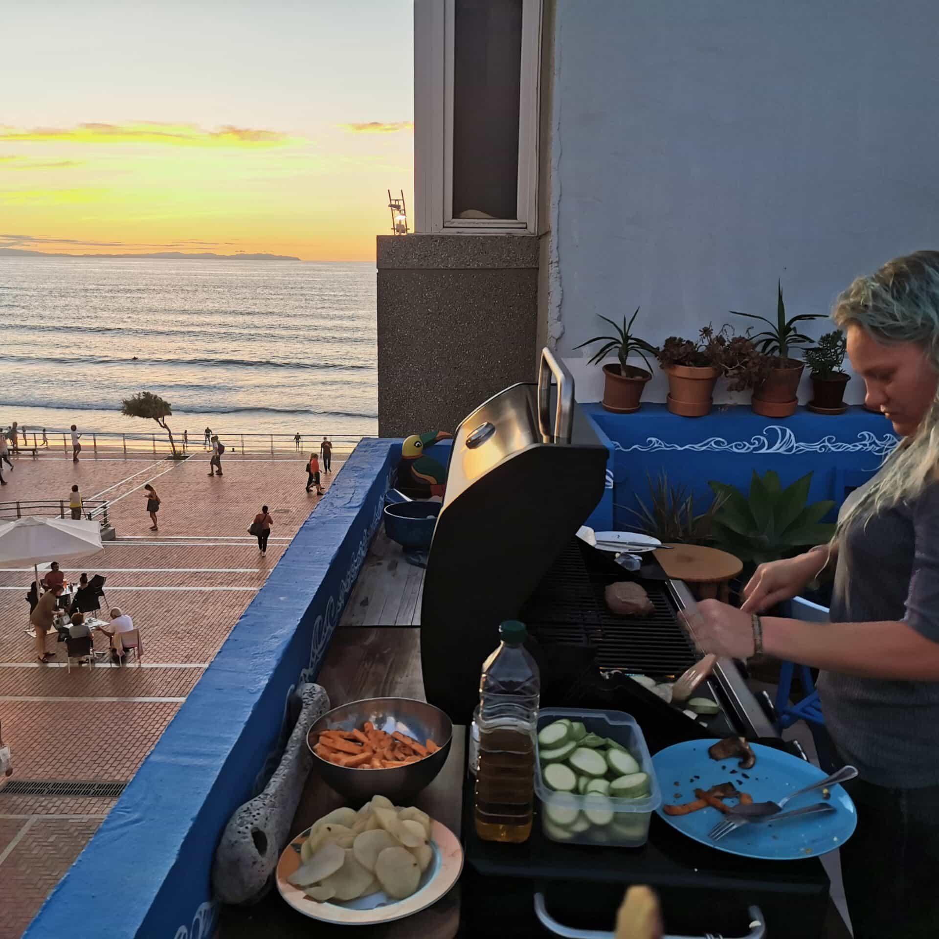 Barbecue-Bianca-Ventana-Azul-scaled-min