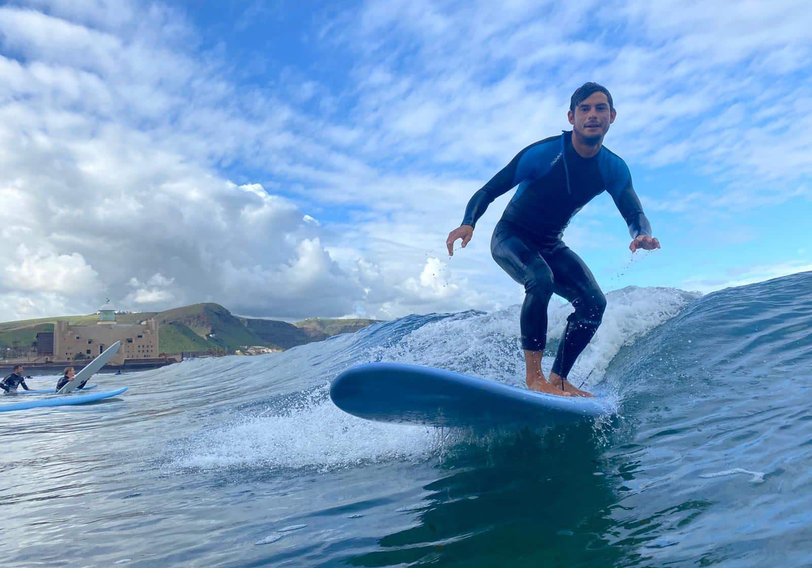 leo-surf-min